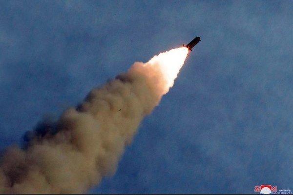 Triều Tiên đột ngột phóng tên lửa