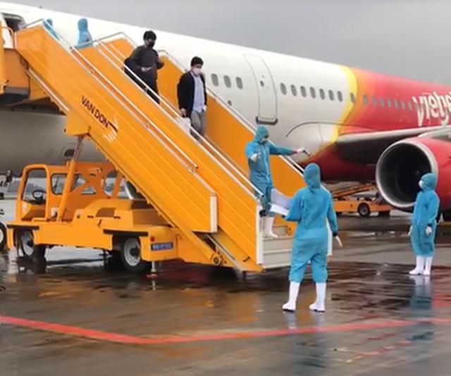 Vietnamese leave South Korea amid virus fears