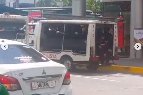 Hàng chục người bị bắt làm con tin trong khu mua sắm ở Philippines