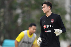HLV Muangthong United lên tiếng việc Đặng Văn Lâm bị 'bỏ rơi'
