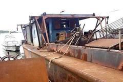 Nợ cờ bạc, thanh niên Hải Dương rủ bạn trộm tàu thủy 400 tấn