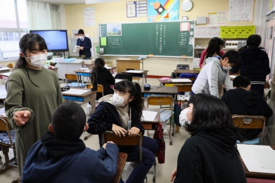 Nhật trợ cấp 80 USD/ngày cho phụ huynh nghỉ ở nhà chăm con vì Covid-19