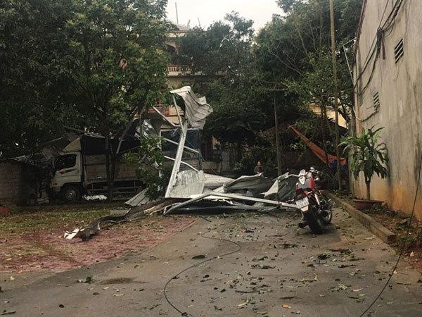 Hail damages 2,000 houses in Yen Bai, four injured