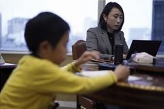 """Những bà mẹ Nhật Bản """"sợ mất việc hơn cả Covid-19"""""""
