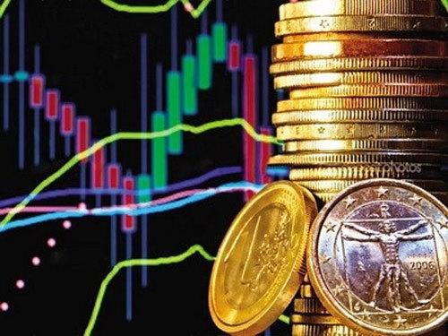 Vững trước cơn bão, khối tiền 8 tỷ USD tiếp tục hút vốn lớn