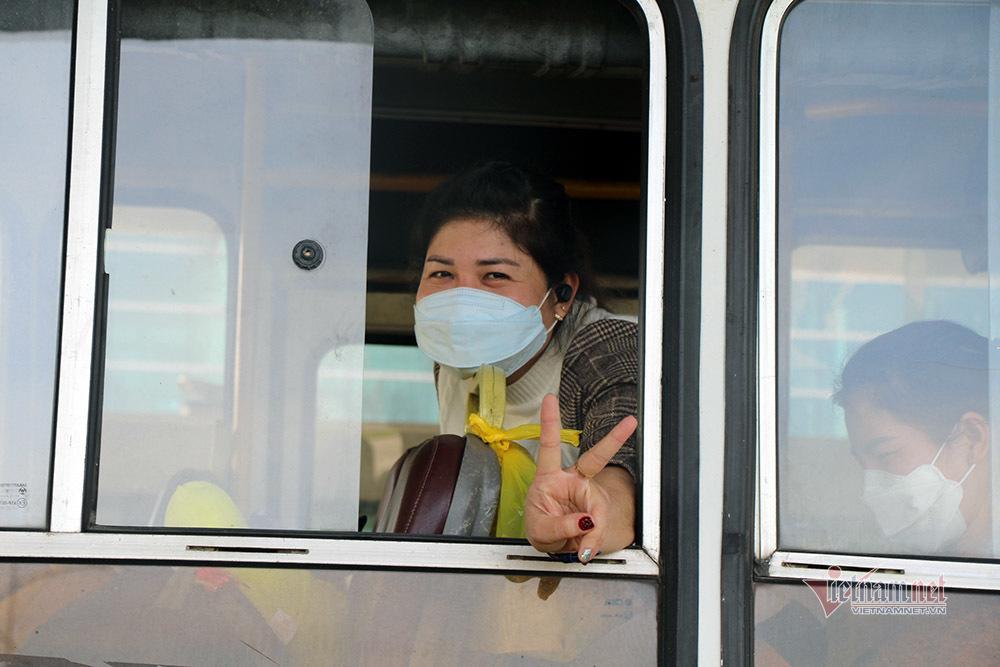 Du học sinh trở về từ Hàn Quốc: 'Đến Việt Nam em cảm thấy an toàn'