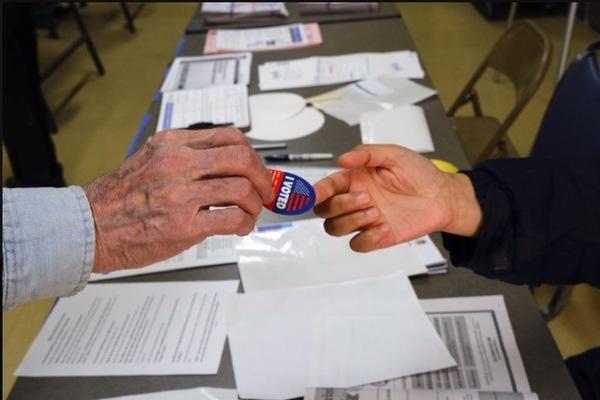 Nước Mỹ bước vào ngày bầu cử Thứ ba trọng đại