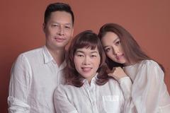 Á hậu Tường San khoe mẹ trẻ trung, bố doanh nhân cao 1m80