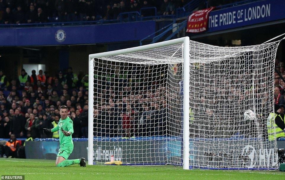 Chelsea xuất sắc đá bay Liverpool khỏi FA Cup