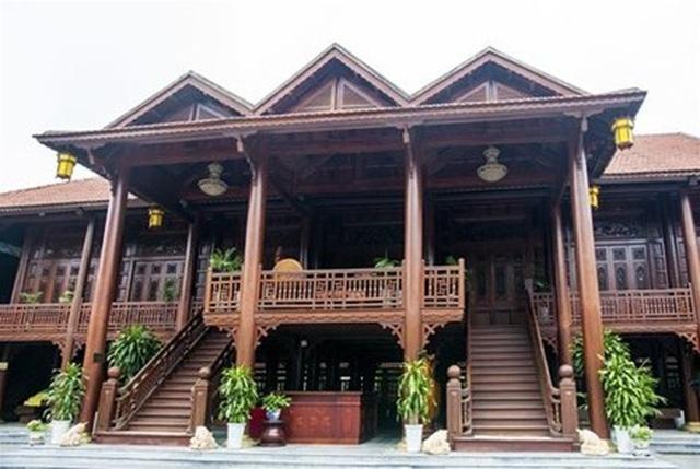 Đại gia chơi nhà gỗ truyền thống, phát sốt căn nhà 200 tỷ