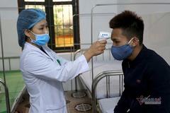 Bộ Y tế hướng dẫn việc cần làm khi bị sốt, ho, đau họng, khó thở