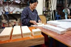 Banh khao Thong Hue, a speciality of Cao Bang