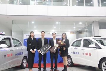 Hyundai Lê Văn Lương bàn giao lô 10 xe Grand I10