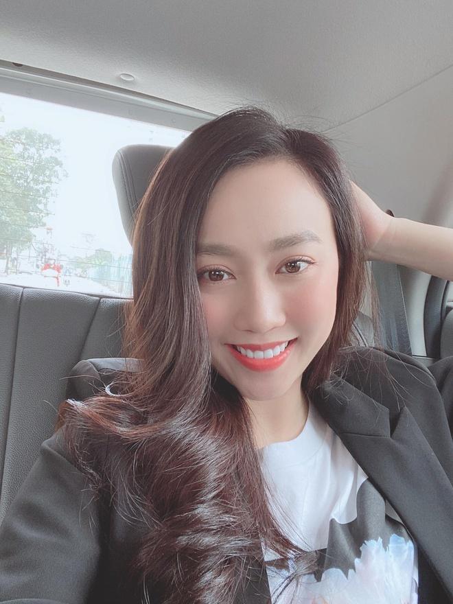Nhan sắc người đẹp Bình Dương, bạn gái cầu thủ Tiến Linh