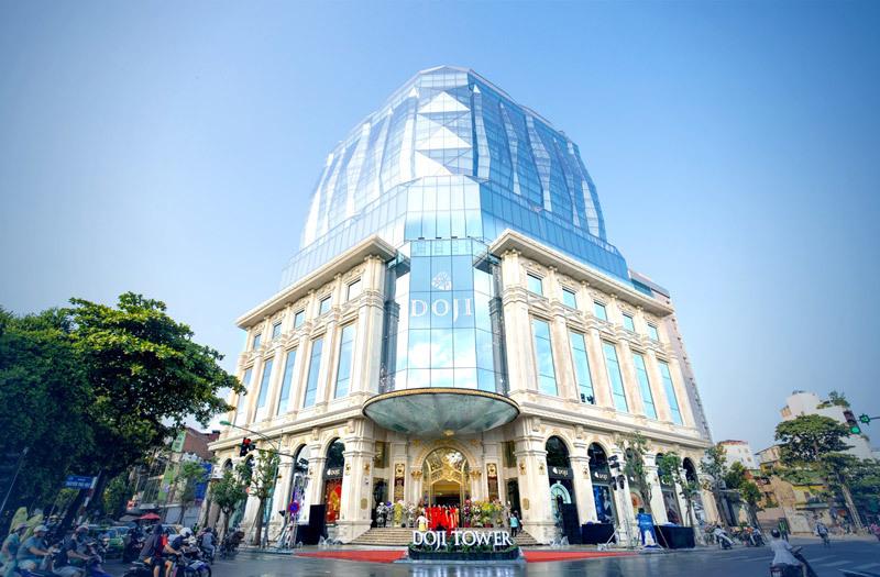 Hà Nội lệnh tháo dỡ đài phun nước 'nuốt' vỉa hè của tòa nhà Doji Tower