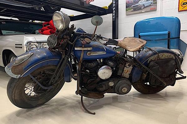 Siêu mô tô đời 1947 rỉ sắt, giá không tưởng 37.000 USD