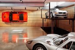 Đại gia gây sốt với dàn siêu xe đắt tiền trong biệt thự riêng