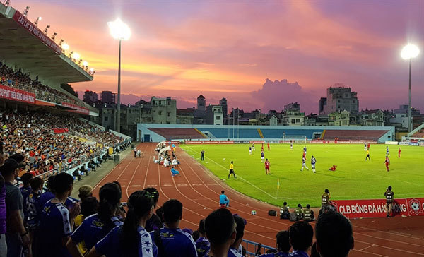 Expat football fans find taste of home with V.League