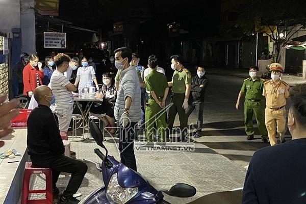 4 người Trung Quốc trên xe khách lúc nửa đêm để trốn dịch Covid-19