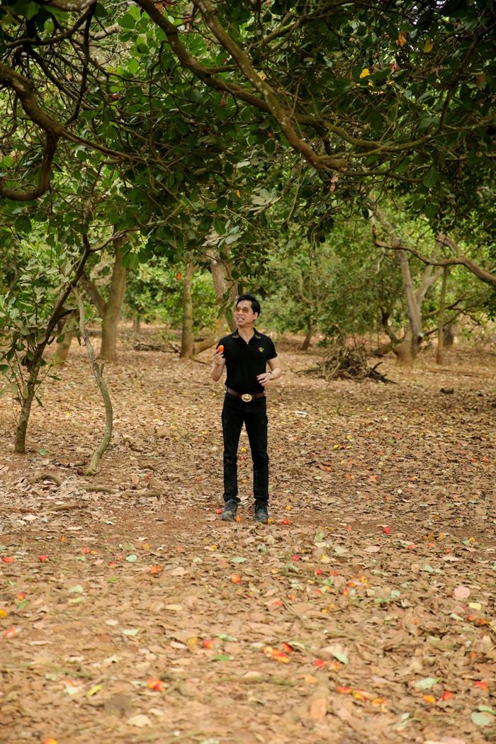 Ngọc Sơn khoe vườn rộng 20.000 m2 do người hâm mộ tặng