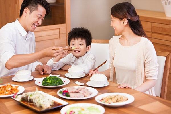 Gia đình Hà Nội 3 người thu nhập 15 triệu/tháng, để ra được 6 triệu/tháng