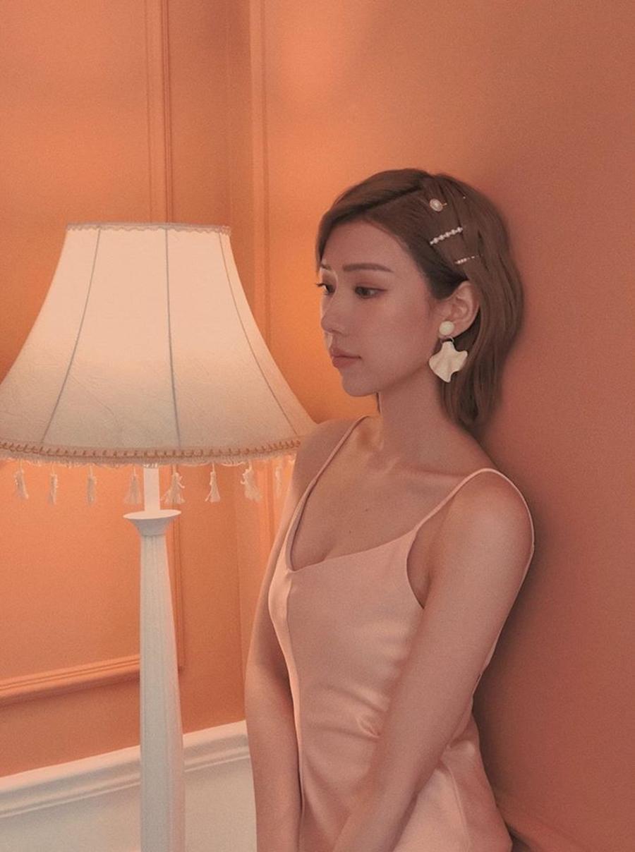 Vẻ phóng khoáng của Min - ca sĩ đang gây sốt với 'Ghen cô Vy'