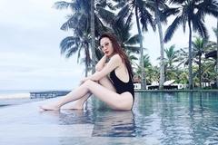 Vợ Cường Đô La khoe body nuột nà với bikini