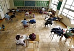 Gần 300 triệu trẻ ở 22 quốc gia hoãn đến trường vì Covid-19