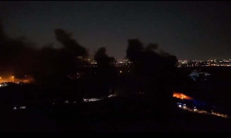 Cháy lớn trong KCN cảng Cát Lái, trăm cảnh sát nỗ lực dập lửa