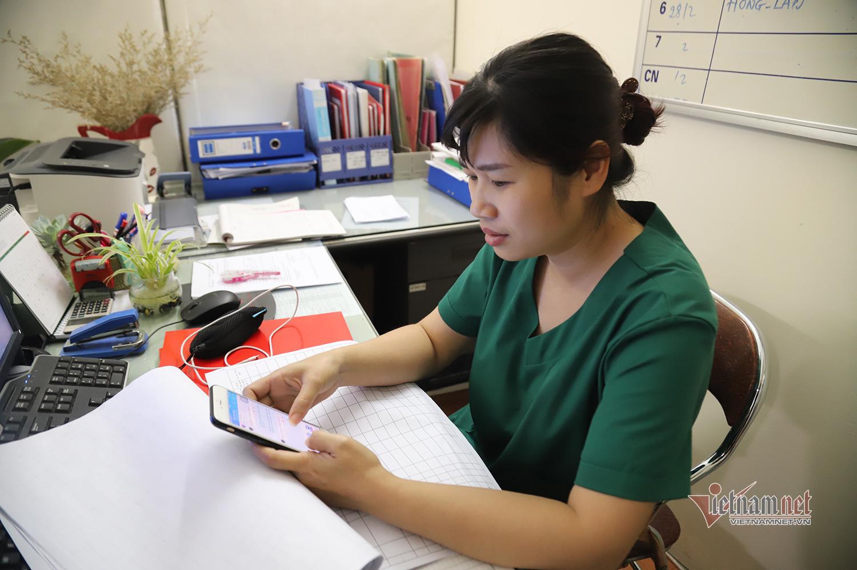 Bác sỹ công an kiêm shipper trong khu cách ly dịch Covid-19