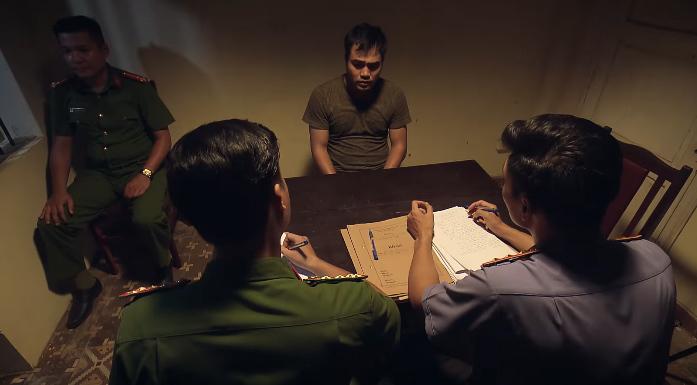 'Sinh tử' tập 79, Bạt bị bắt, Vũ nổi cáu đập bàn trong phòng hỏi cung