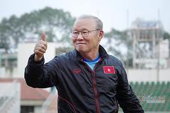 Hoãn trận Việt Nam vs Malaysia: Đâu chỉ thầy Park vui!
