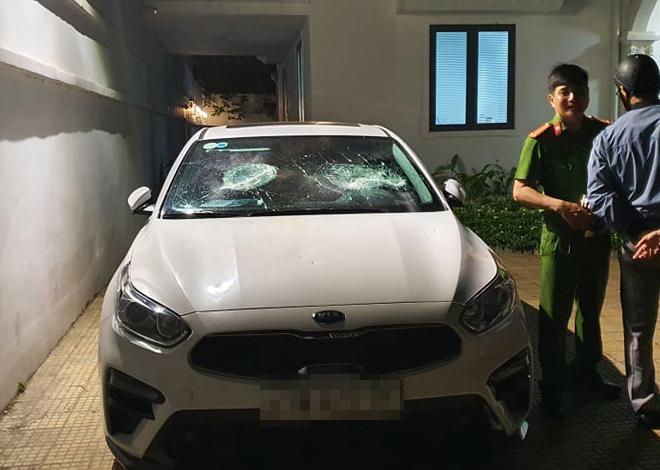 Bắt 2 thanh niên mang hung khí xông vào biệt thự ở Đà Nẵng đập phá