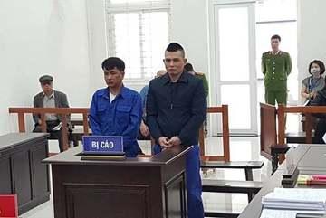 Đại ca Hà Thành bịt mặt, dùng súng cướp tiền ở chợ Long Biên