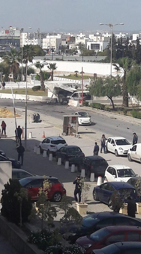 Đánh bom tự sát gần sứ quán Mỹ ở Tunisia