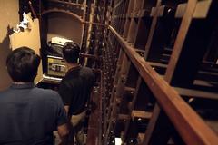 'Sinh tử' tập cuối, Huy phát hiện két sắt trong căn phòng bí mật