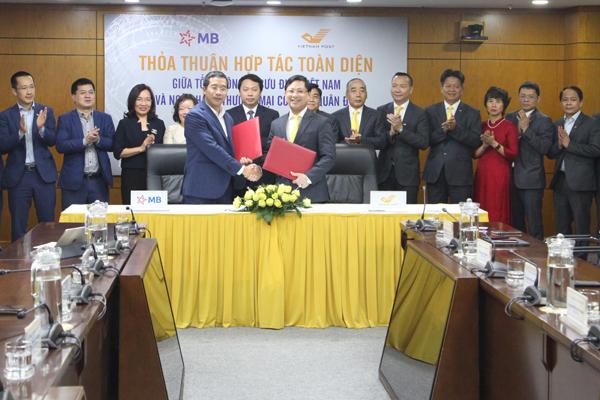 MB và Vietnam Post 'bắt tay' hợp tác toàn diện