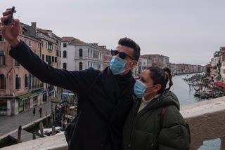 Ca nhiễm Covid-19 tăng kỷ lục, Italia phong toả phía bắc đất nước