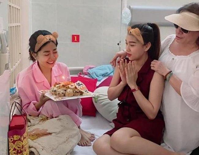 Hòa Hiệp xót thương bệnh tình ung thư phổi của Mai Phương