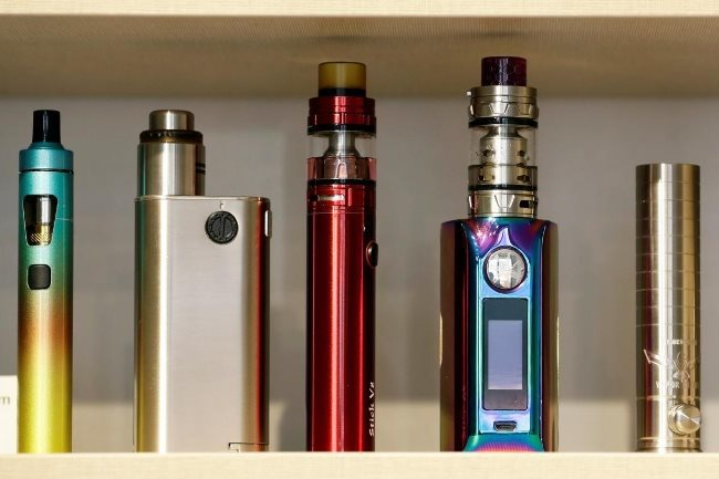Experts propose banning electronic cigarettes in Vietnam
