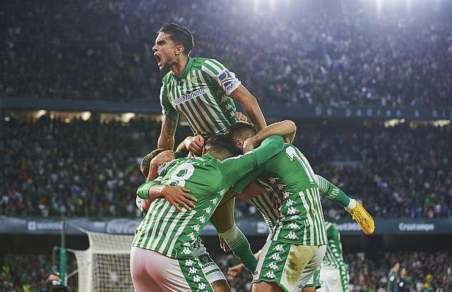 Thua đau Betis, Real Madrid dâng ngôi đầu cho Barca