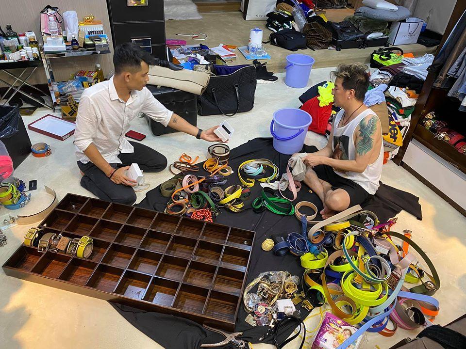 Bộ sưu tập hàng hiệu mới cực chất của Đàm Vĩnh Hưng
