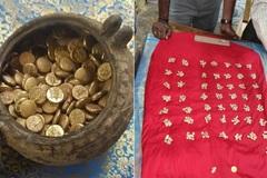 Phát hiện hũ tiền vàng được chôn bí mật trong đền nổi tiếng