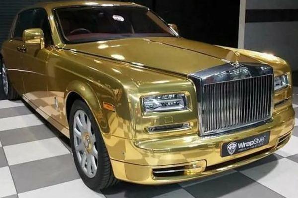 Chất chơi đại gia Ấn sắm Rolls-Royce Phantom mạ vàng làm taxi