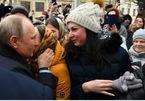 Cô gái Nga cầu hôn Tổng thống Putin