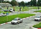 Người có bằng B1 không được lái ô tô: Tổng cục Đường bộ VN lý giải