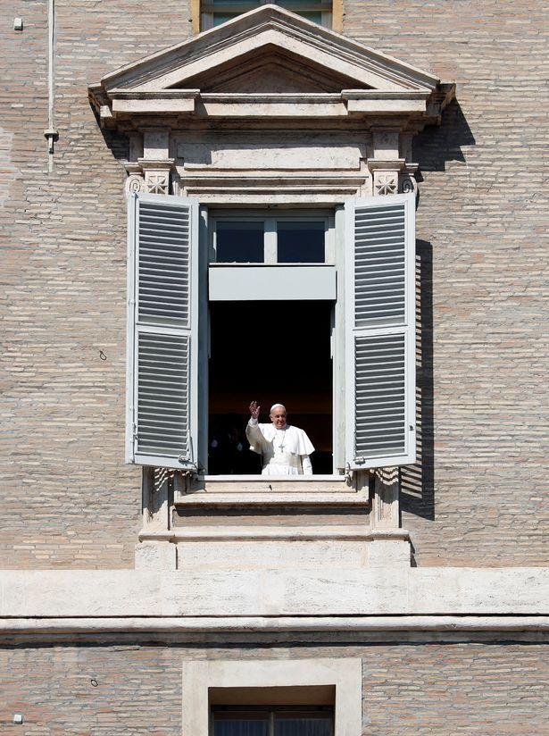 Giáo hoàng phát sóng trực tiếp thánh lễ ở Italia giữa 'bão' Covid-19