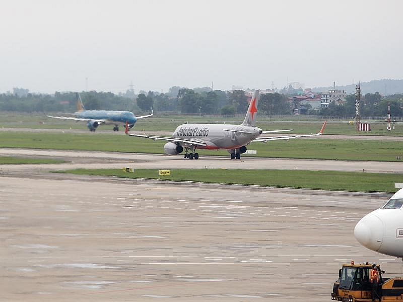 Financial dilemma over air strips of Noi Bai and Tan Son Nhat airports