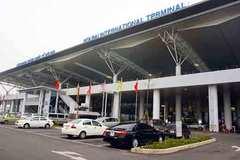 Rà soát cách ly nhân viên phục vụ khách trên chuyến bay từ Anh về Nội Bài