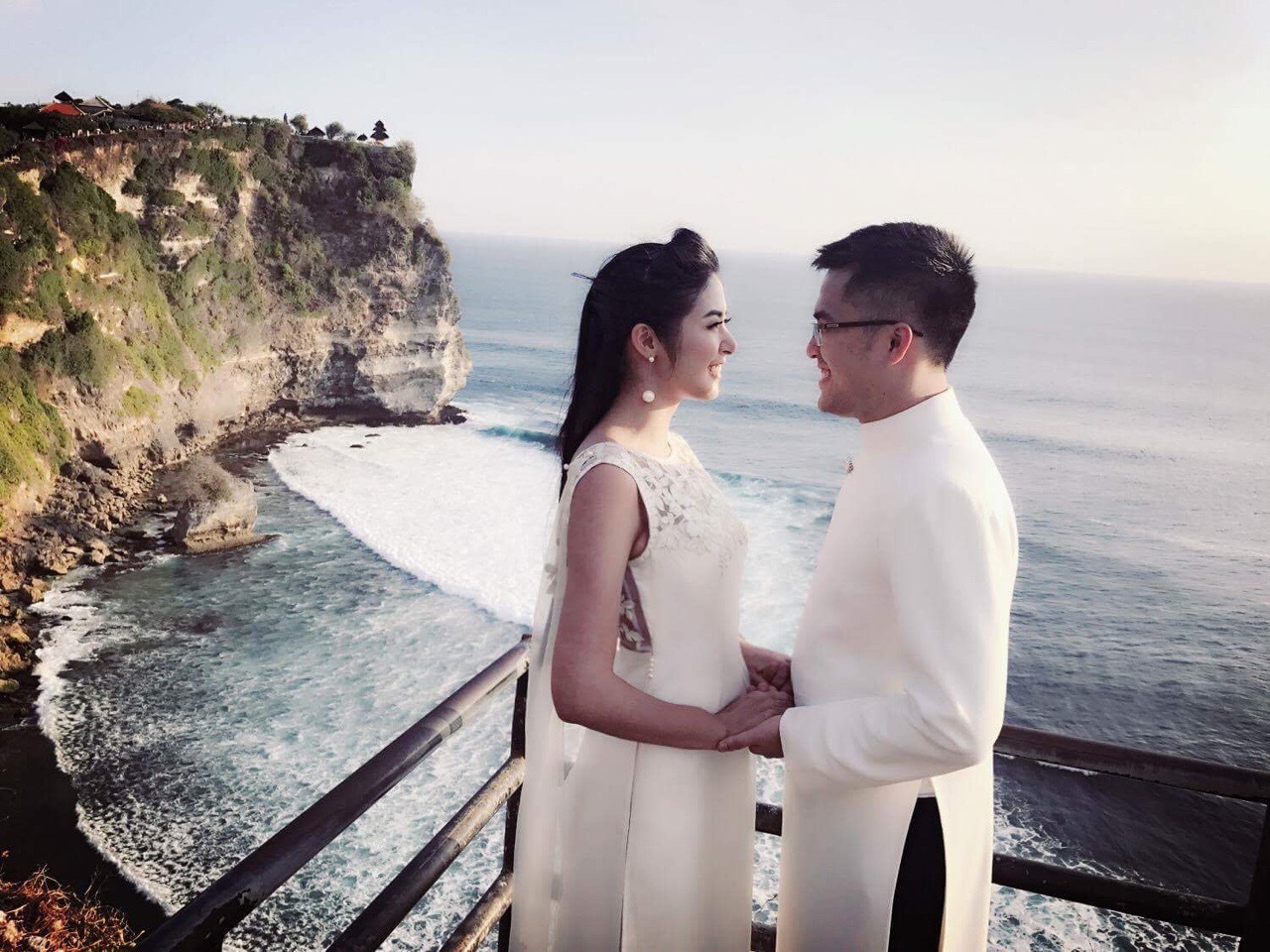 Hoa hậu Ngọc Hân hoãn cưới vì dịch Covid-19